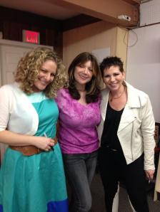 With Estelle Erasmus from Mothers & More, and Jill Smokler (aka Scary Mommy)